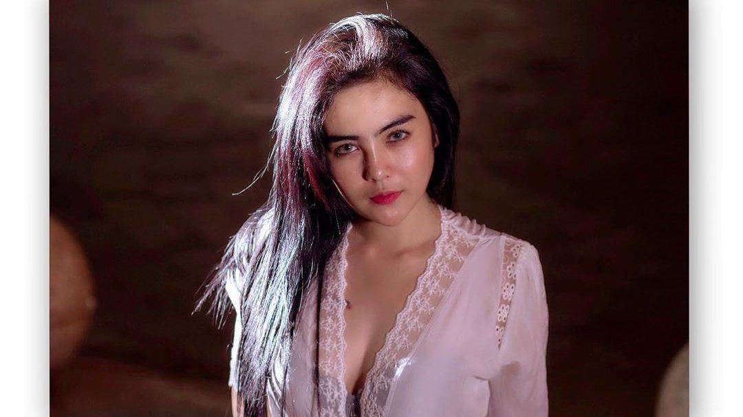 Cantik dan Seksi, Deretan Potret Mareta Angel Bikin Gak